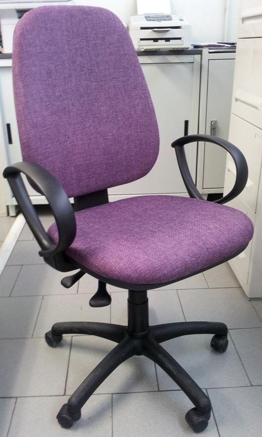 Vulca scaffalature metalliche armadi spogliatoio for Negozi sedie ufficio